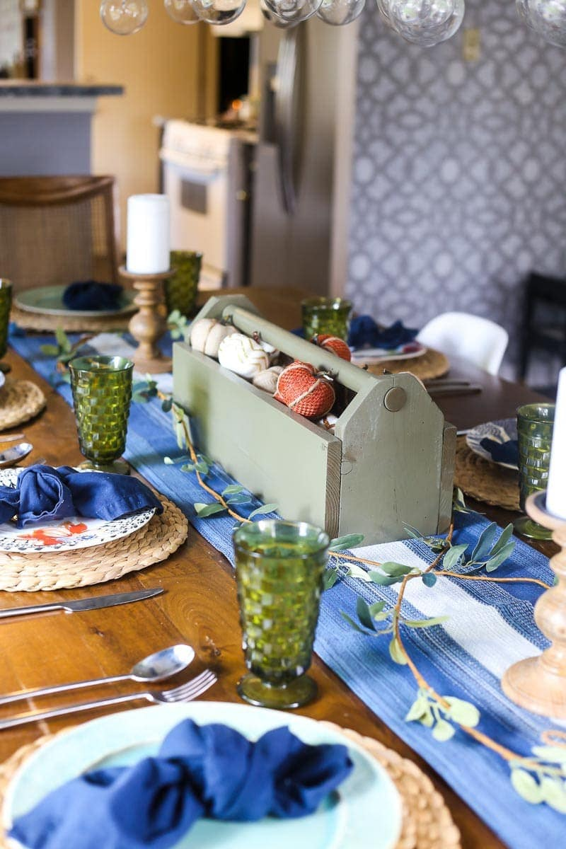 DIY fall tablescape and simple fall table setting