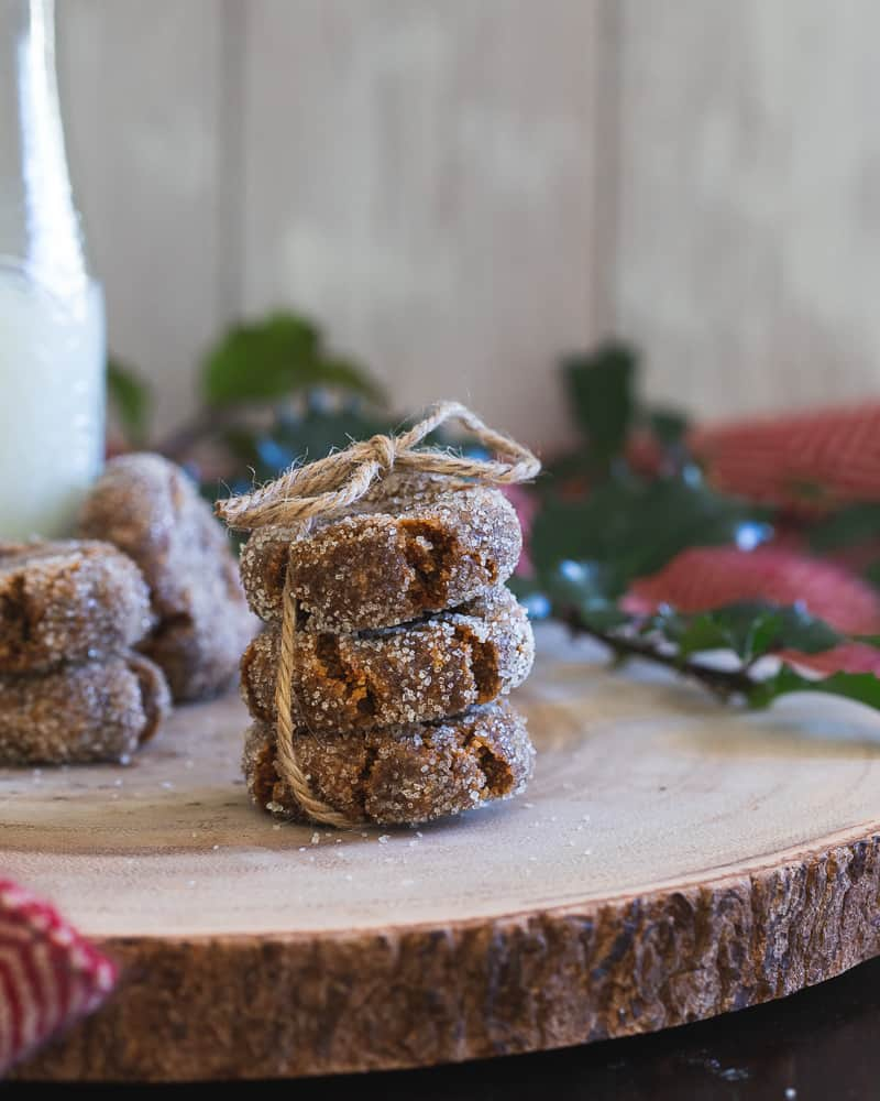 Gingerbread collagen cookies are a healthy little festive treat. High in protein from the collagen, they're also gluten-free and paleo. A cozy little cookie for winter!