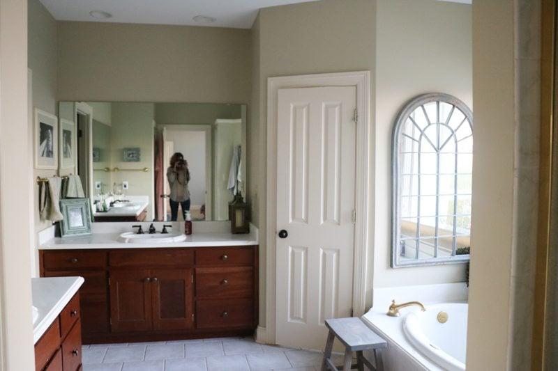 bathroom-remodel-before-sincerely-sara-d-1-2