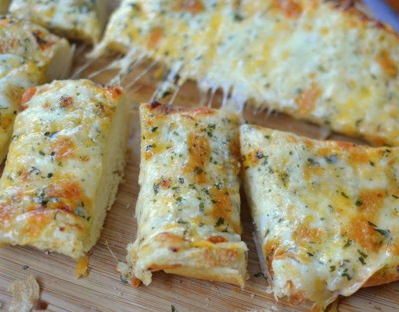 Triple Cheese Garlic Bread (4)