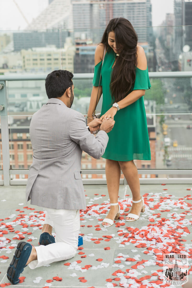 Photo Rooftop Marriage Proposal 2 | VladLeto