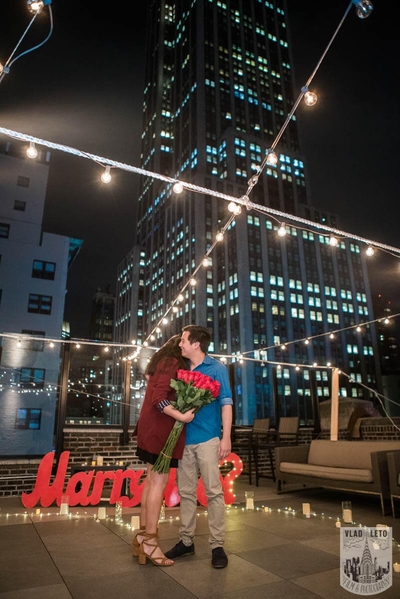 Photo 7 Rooftop proposal Empire State building view | VladLeto