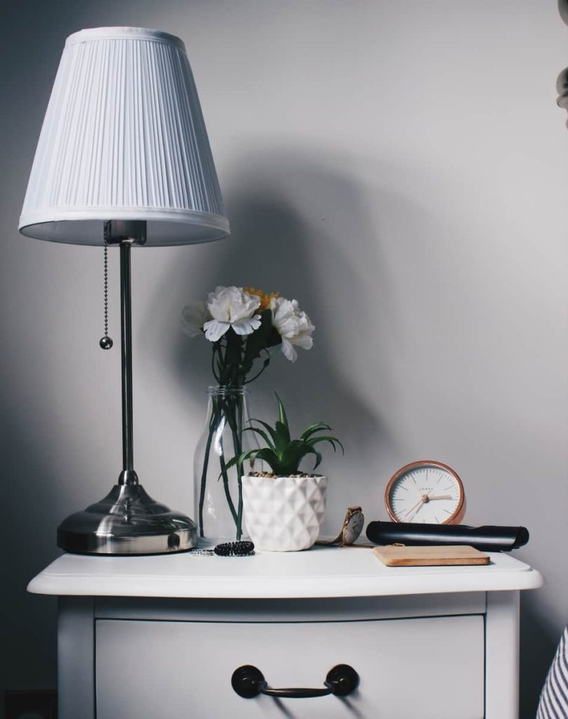 How Tall Should Bedside Lamps Be