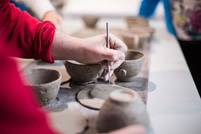 Girl painting Ceramic cups