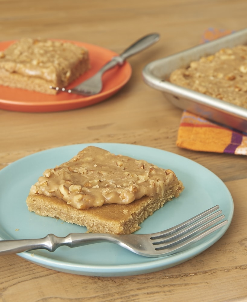 Get the flavor of sweet, rich pralines without the candy-making fuss with this Praline Sheet Cake! - Bake or Break