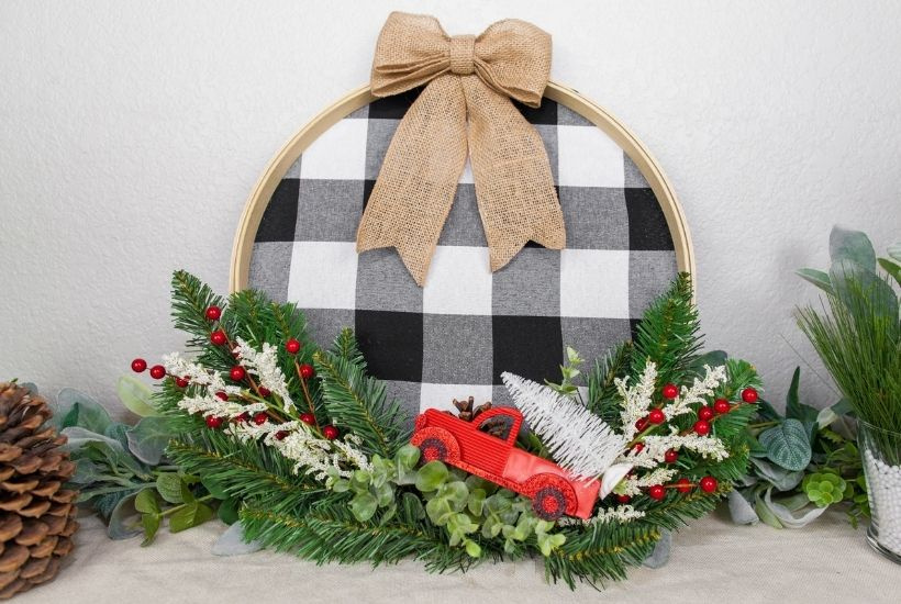 Buffalo Plaid Christmas Hoop Wreath