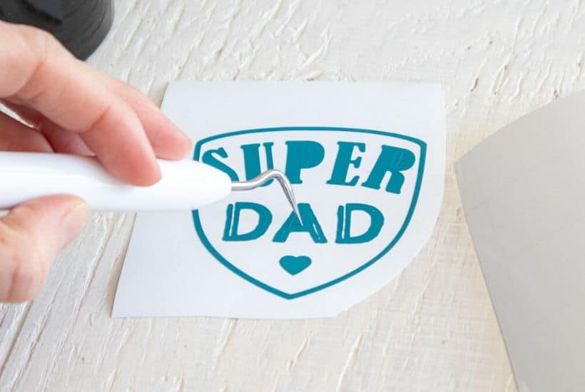 Say thanks to dad! Make dad this easy Cricut DIY Super Dad Father's Day Mug. This Super Dad mug is an easy beginner Cricut craft project.