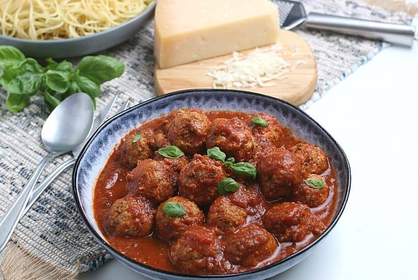 These flavorful Instant Pot Meatballs are sure to satisfy your cravings for something savory and fulfilling. This recipe is the perfect family-friendly recipe to follow because even the pickiest eaters tend to enjoy these meatballs.