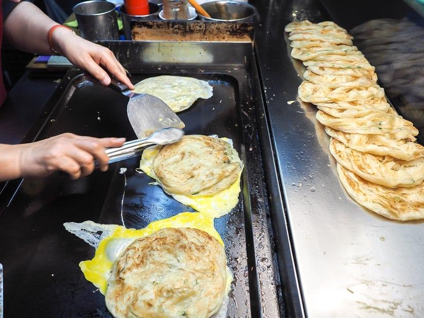 Hsiung Chi Scallion Pancakes at Gongguan Night Market