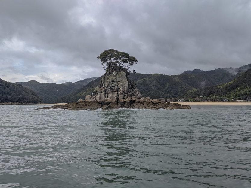 beautiful scenery in abel tasman national park that we saw on our abel tasman water taxi