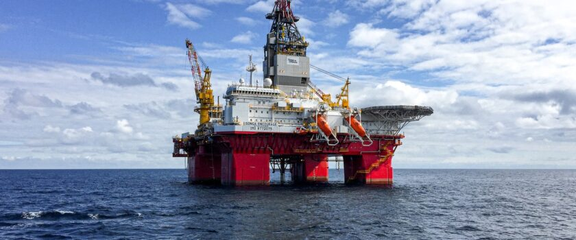 Oil & Gas sector hits huge job losses and points uncertainty on the future recruitment