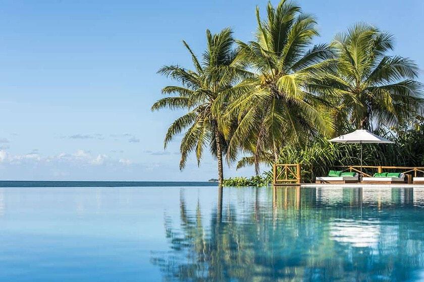Piscina da Borda Infinita do Hotel Tivoli Praia do Forte Bahia - Fonte: Booking.com