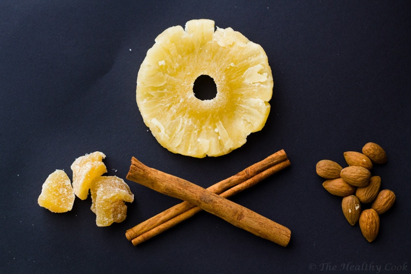 Μπάρες δημητριακών με ζαχαρωμένο τζίντζερ, ανανά και μπαχαρικά - Granola Bars with Candied Ginger, Pineapple and Spices