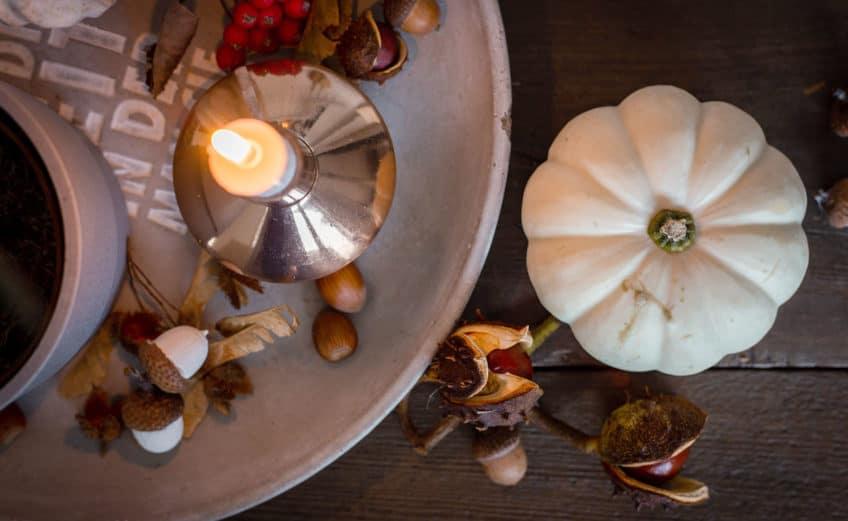 Herbstdeko natürlich, schlicht und modern für dein Wohnzimmer im Scandi-Look für die hyggelige Herbstzeit