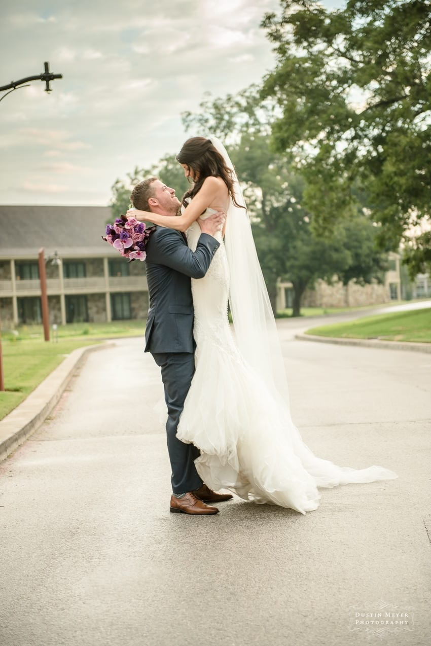 wedding day portraits of bride and groom Austin Wedding Photographers | Dustin Meyer Photography