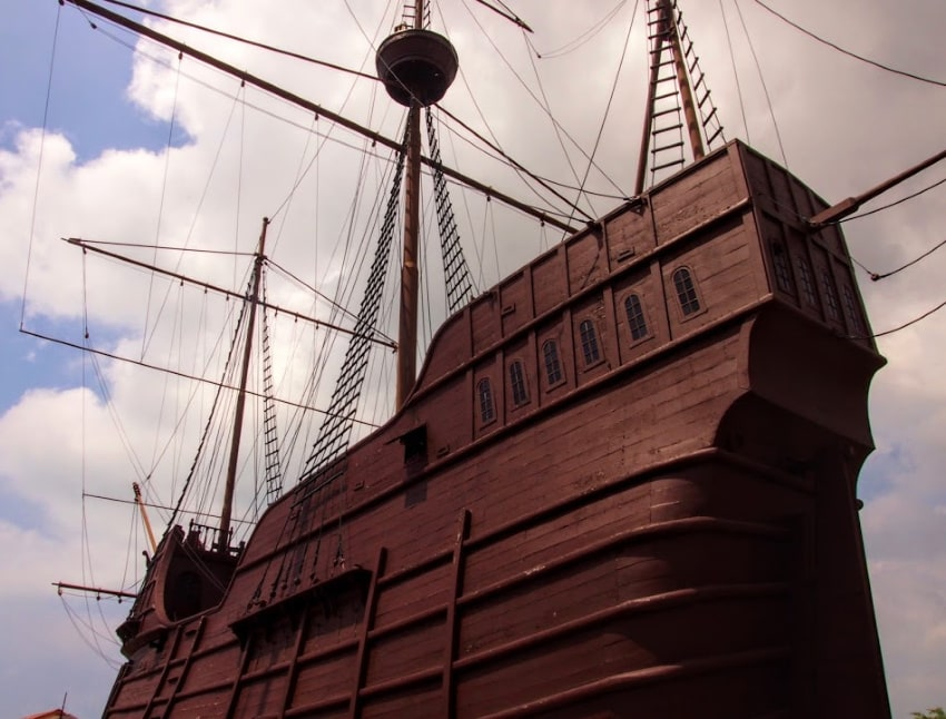 Malysia's Giant Ship Melacca With Kids - Malacca Maritime Museum