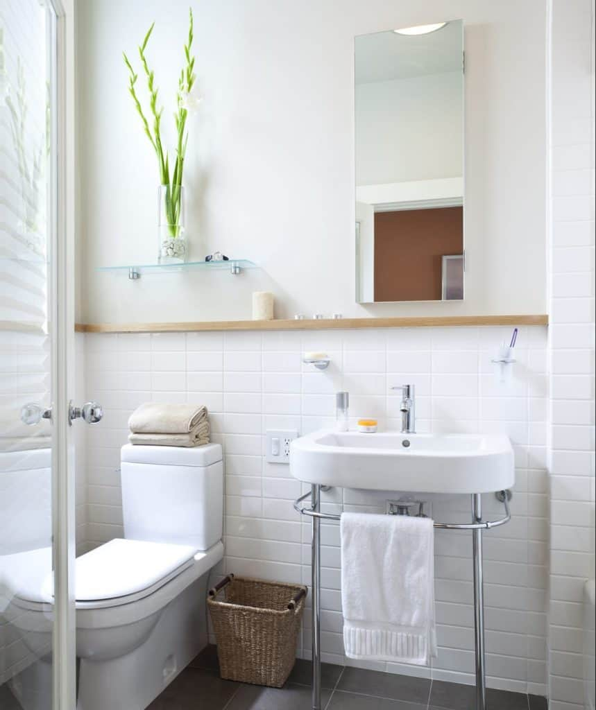 Hyper-minimalism Bathroom Shelving Ideas