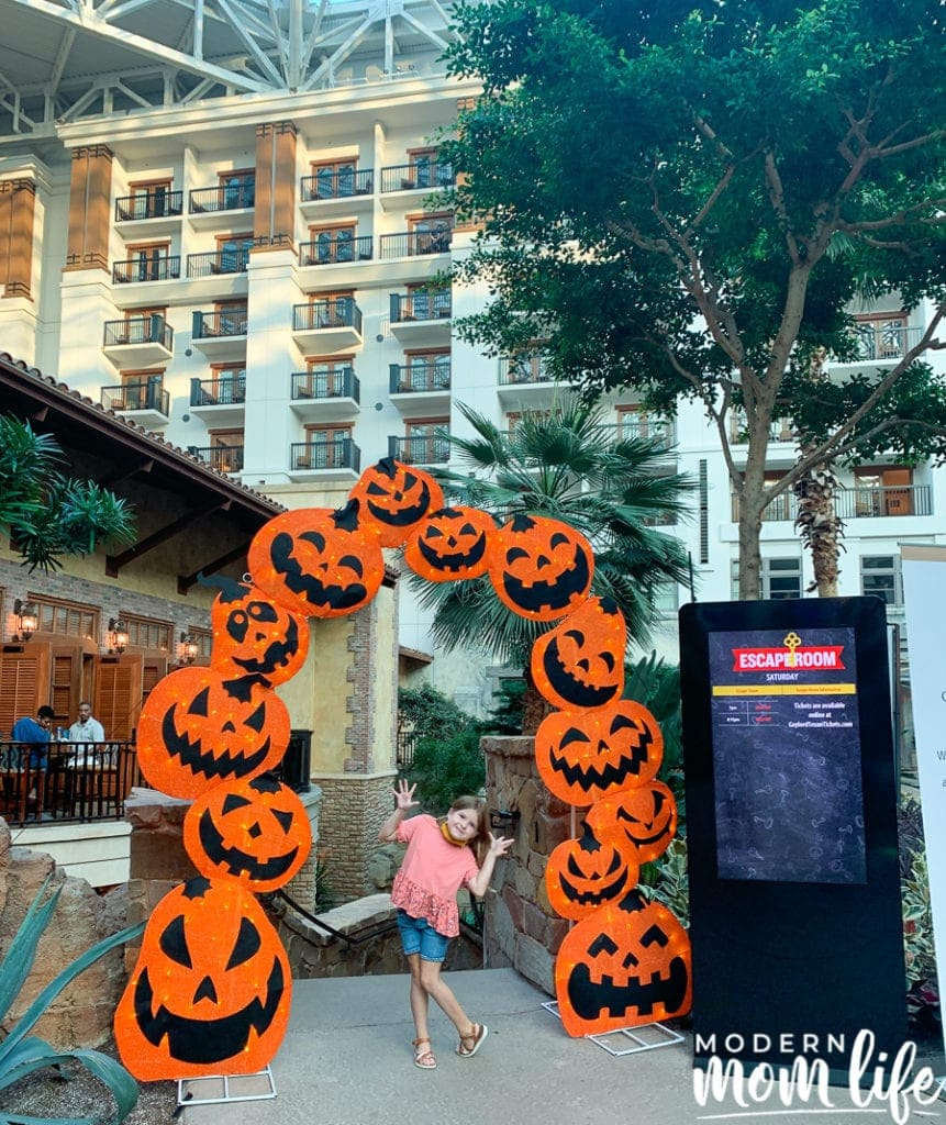 gaylord texan fall escape room