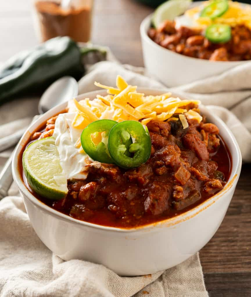 ground turkey chili recipe with toppings