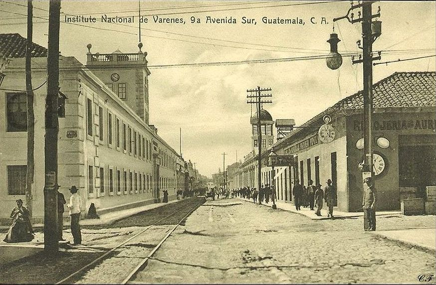 La 9ª Avenida atravesada por las vías del ferrocarril