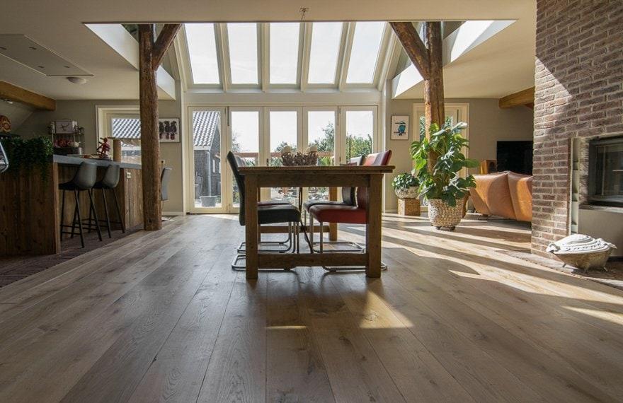Natuurlijke houten vloer