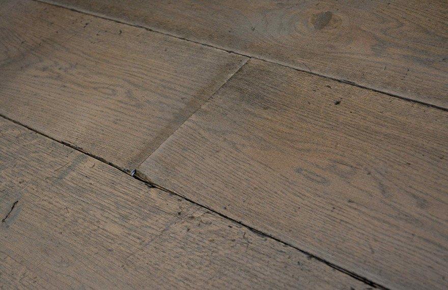 Verouderde vloer voor vloerverwarming