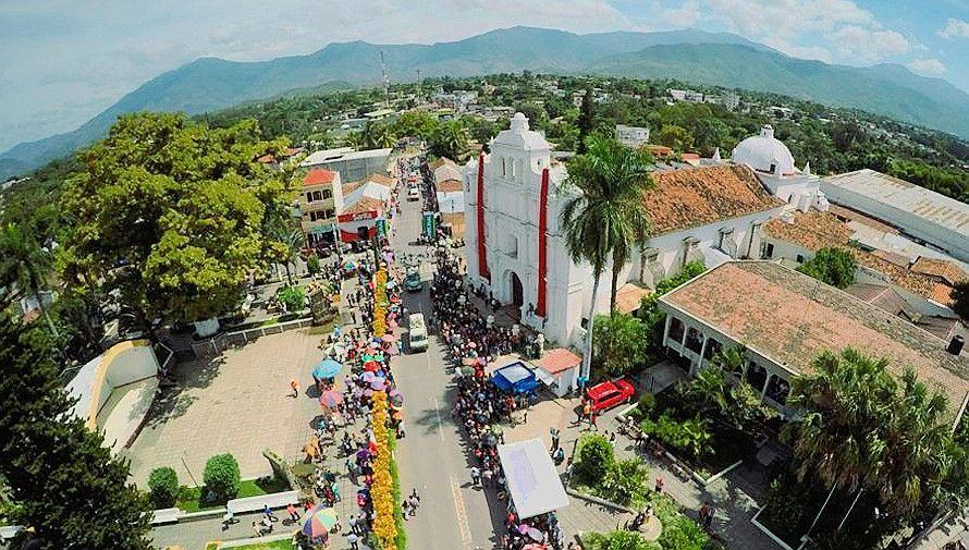 Iglesia de San Mateo y Parque Miguel Ángel Asturias (Salamá-Baja Verapaz)