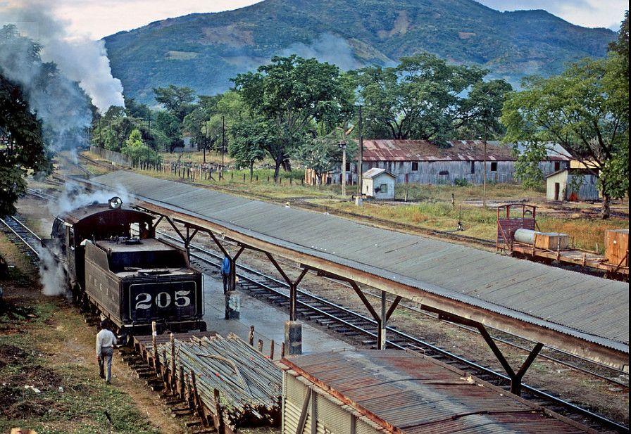 Estación de ferrocarril de Puerto Barrios