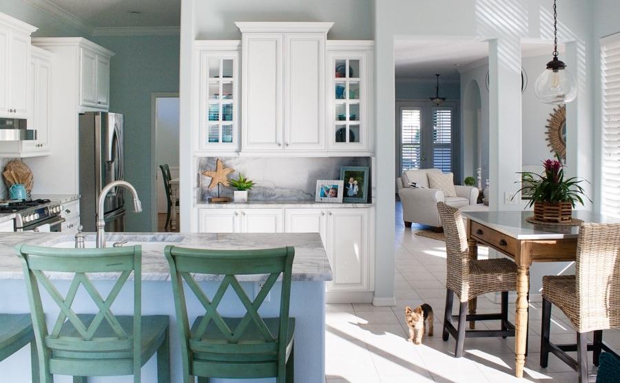 Coastal Marble and White kitchen design