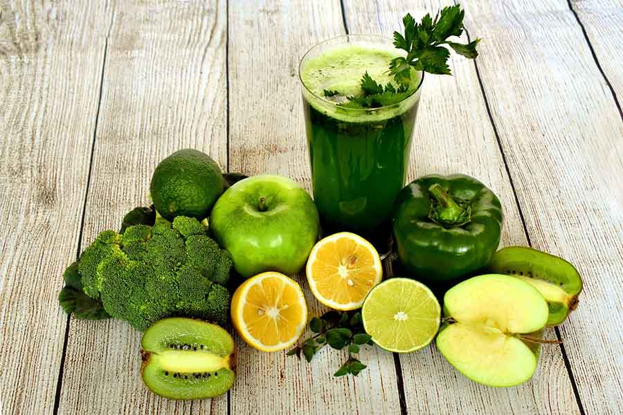 5 Juicing Recipes to Heal Acne Breakout Naturally