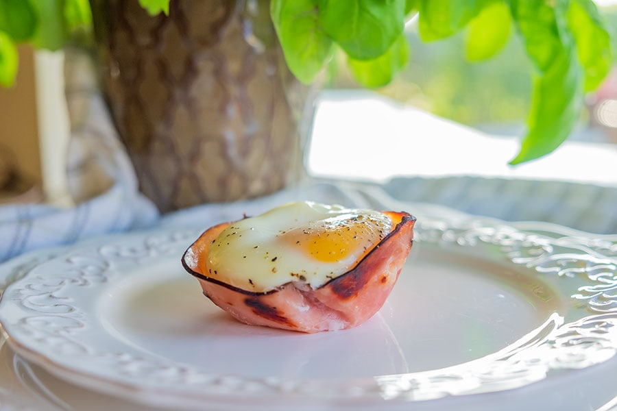 Keto Ham and cheese egg cups