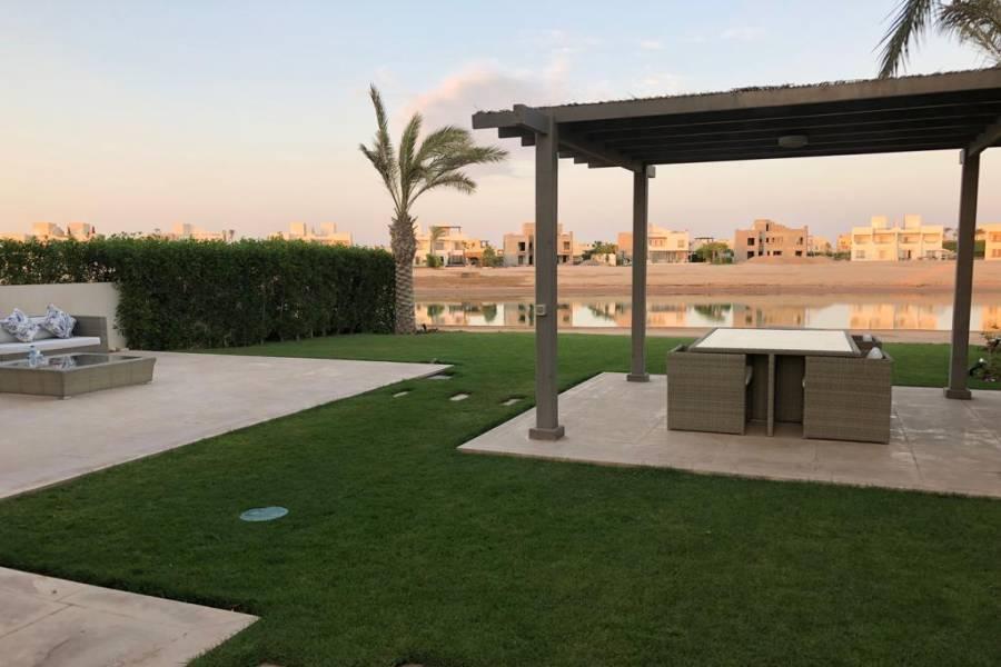 Twin Villa in El Gouna - Joubal Lagoon For Sale