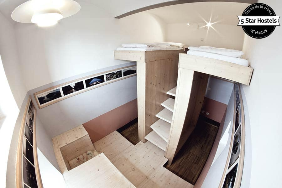 Creative ways to turn a former cell into a twin room - Hostel Celica