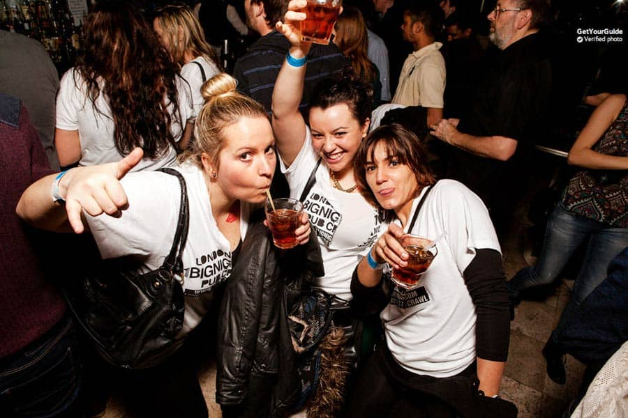 Party Things to do in London: Pub Crawl!