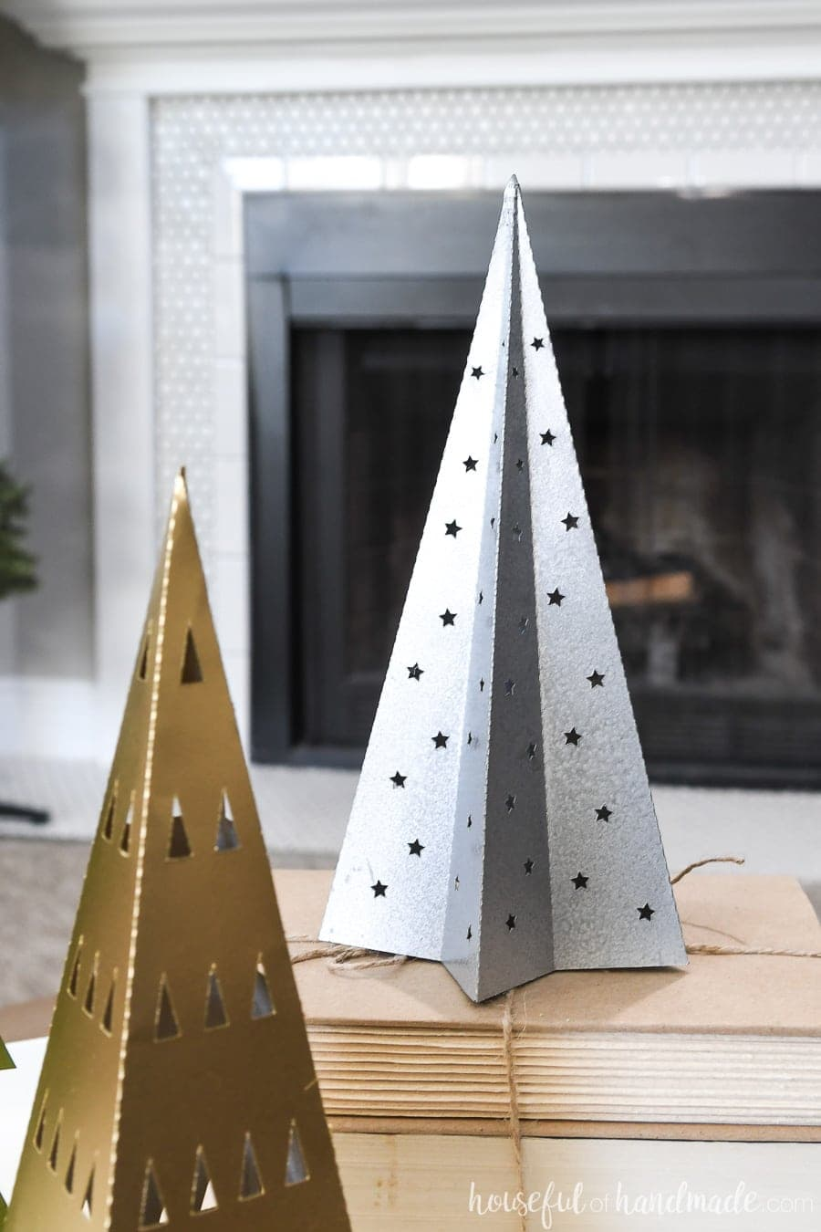 Close up of the stay shaped paper Christmas tree decor.