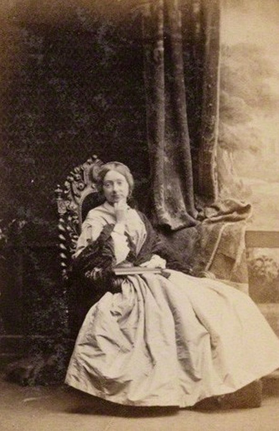 Maude Stanley 1861. Photograph by Camille Silvy - Widipedia pd