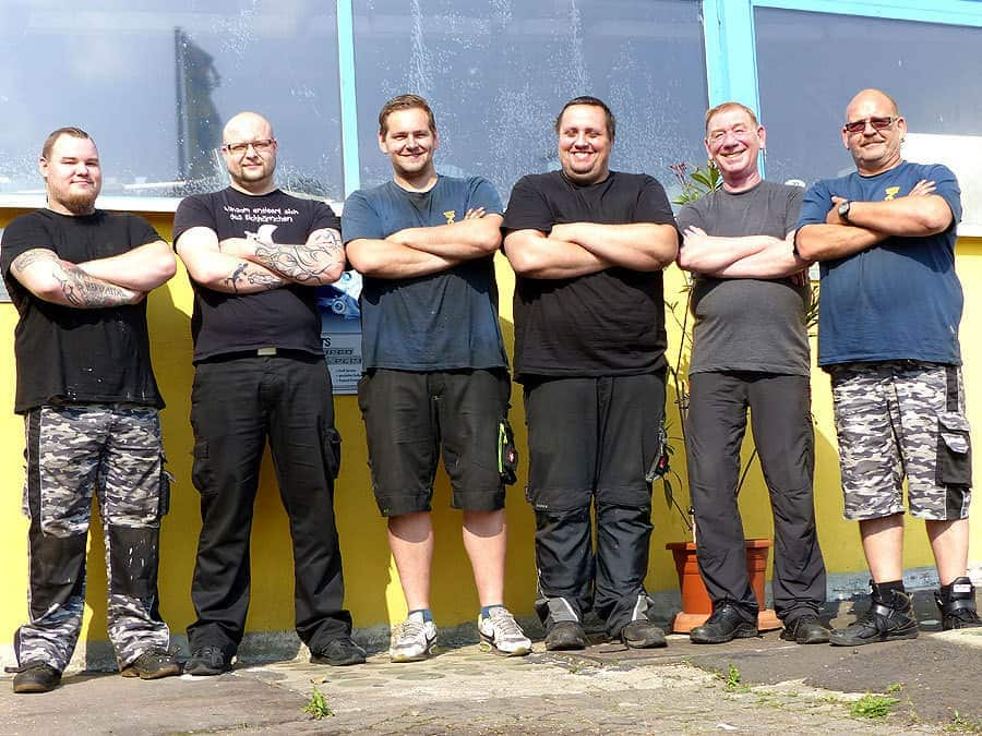 5 Jahre Motorenservice Dresden | Olaf Müller (re.) und das MSM Team