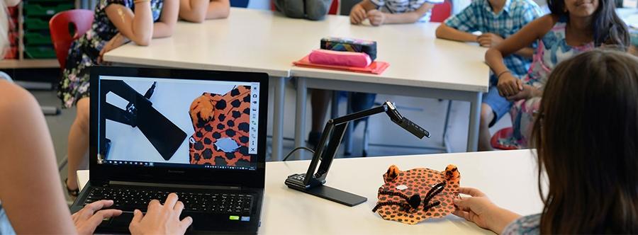 visualiseur pédagogique ELMO en classe