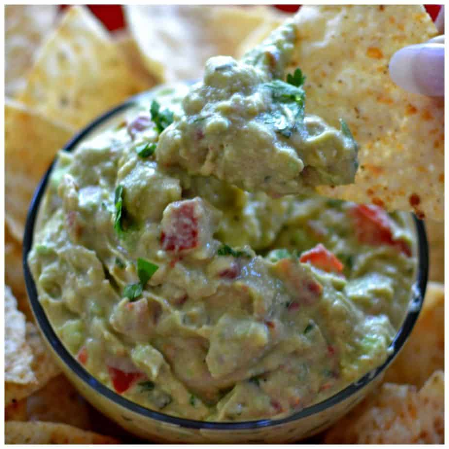 better-than-restaurant-style-creamy-guacamole-fb-picmonkey