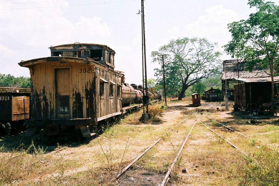 El patrimonio ferroviario en peligro