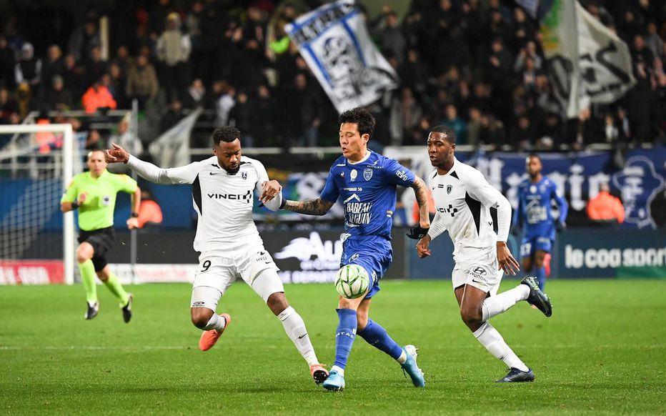 Interwiewé par Le Parisien : Coronavirus : Au contact du premier joueur contaminé, le Paris FC reste en alerte.