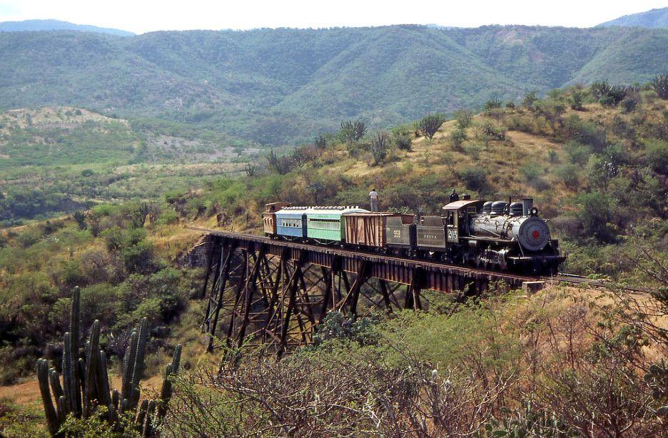 Ferrocarril del Norte entre Sanarate y Ciudad de Guatemala