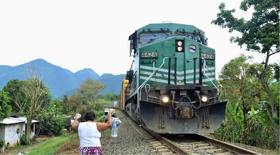 Ferrocarril Panamericano en la frontera con México