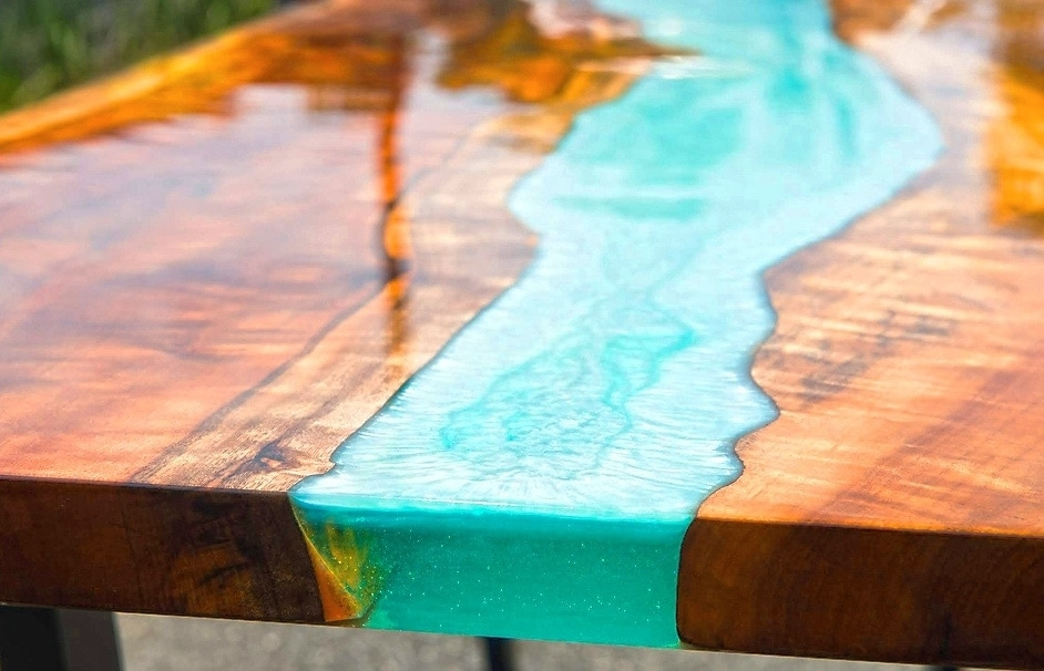 Instructions : Créer ta propre resine epoxy table à partir de bois