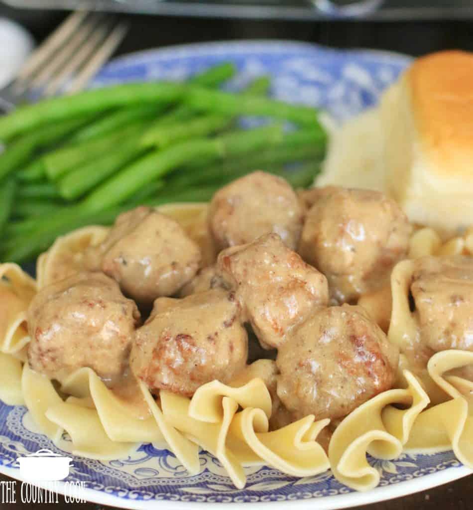 Slow Cooker Meatballs in Gravy Sauce