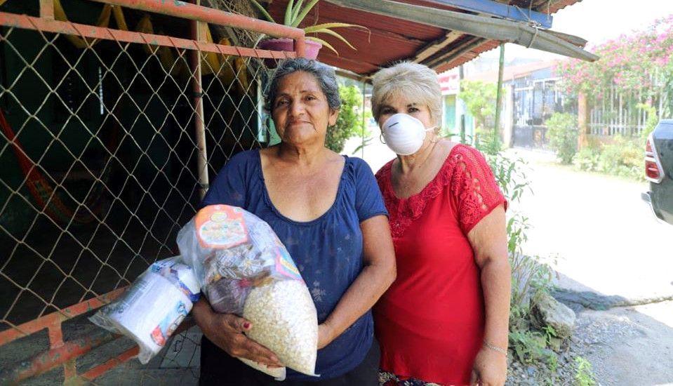 Reparto de vívieres en Morales