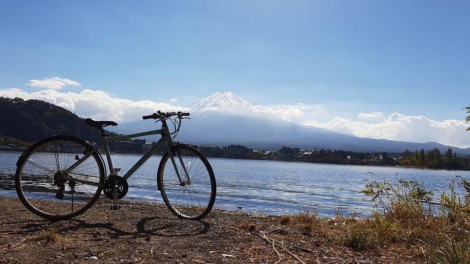 pemandangan gunung fuji dari danau kawaguchiko