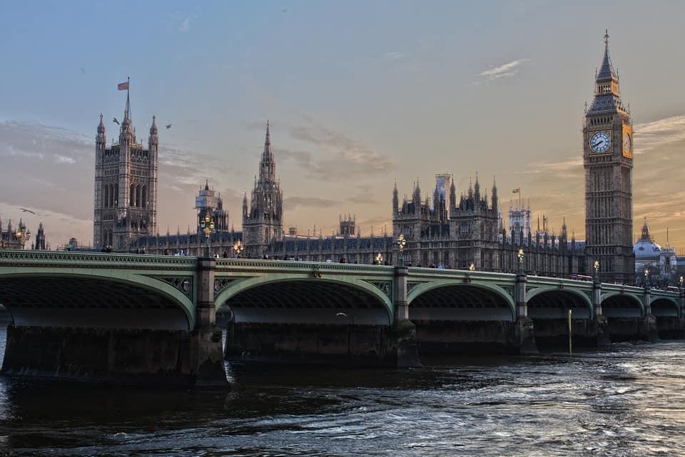 Larangan Inggris yang berkelanjutan terhadap pembunuh rasa sakit berbasis ganja tidak masuk akal dan tidak manusiawi