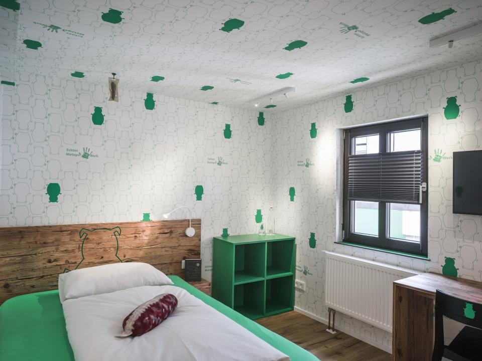 Bayern Bratwurst-Hotel