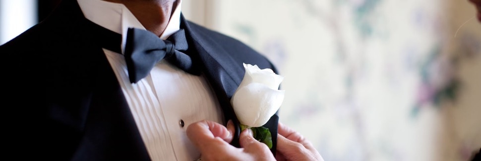 WEDDING BOUTONNIERES FOR THE GROOM & GROOMSMEN